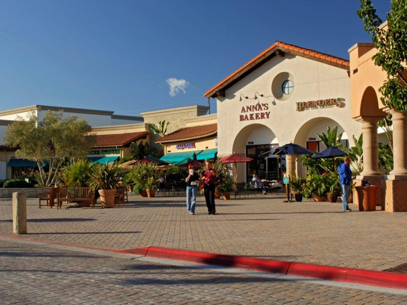 Camino Real Marketplace Food Court